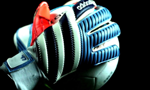 A Brief History of Goalkeepers' Gloves